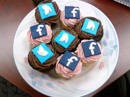 Social_media_cupcakes